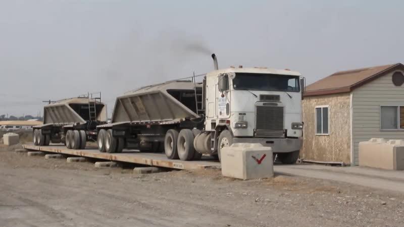 Freightliner cabover bottom dump double semi in Elko Nevada