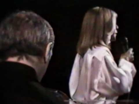 Seda and Charles Aznavour-Yes Ko Ghimetn Chim Gidi - Sayat Nova.m4v
