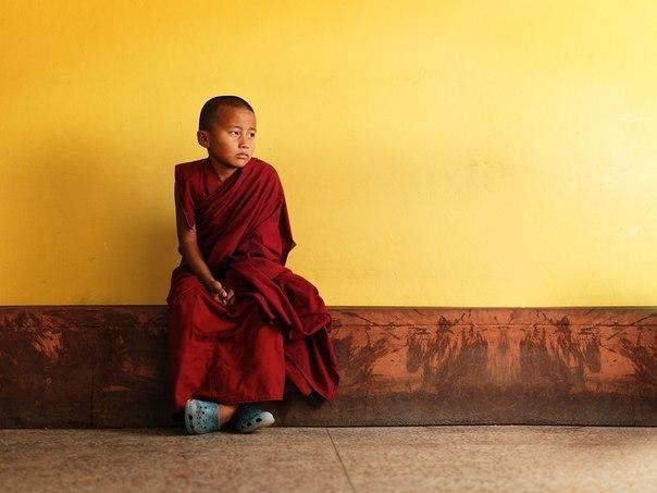 Тот, кто может быть счастливым в одиночестве, является настоящей личностью. Если твое счастье зависит от других, то ты раб, ты не свободен, ты в кабале.