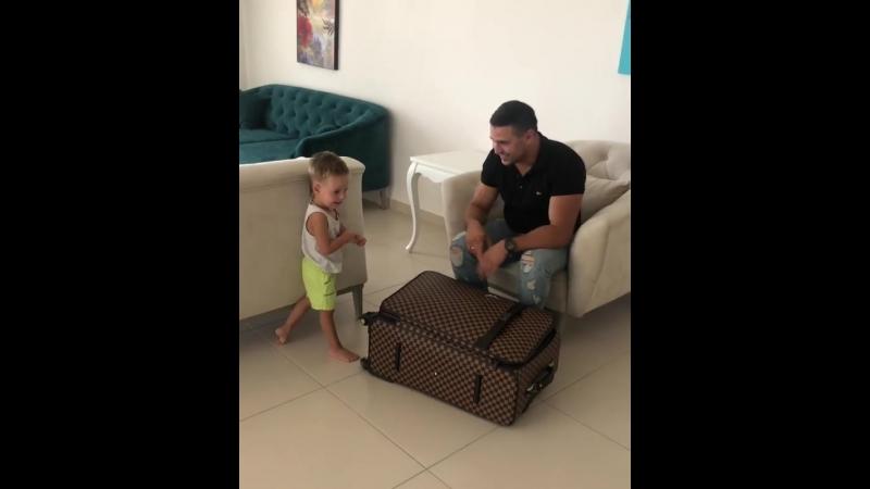 Сергей Пынзарь прилетел в Турцию навестить свою семью