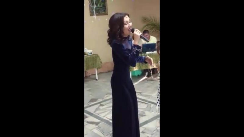 «Су буйлап» в исполнении Лианы и Радмилы Дакало.