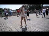 julie skyhigh public flashing_ walking VERY SEXY outfit in Paris on le pont des arts