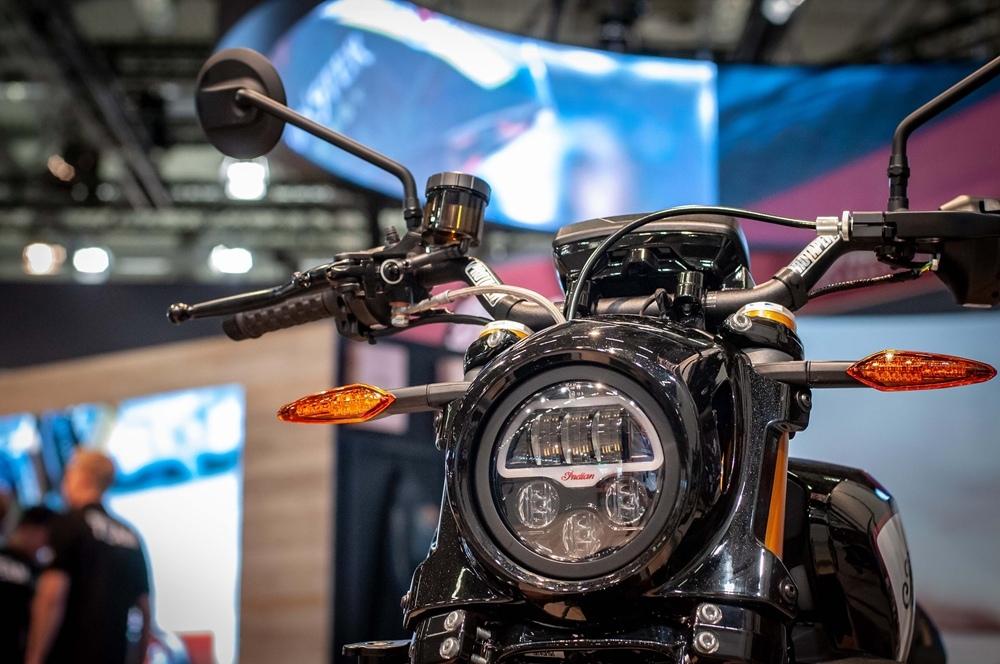 Фотографии мотоцикла Indian FTR1200 2019