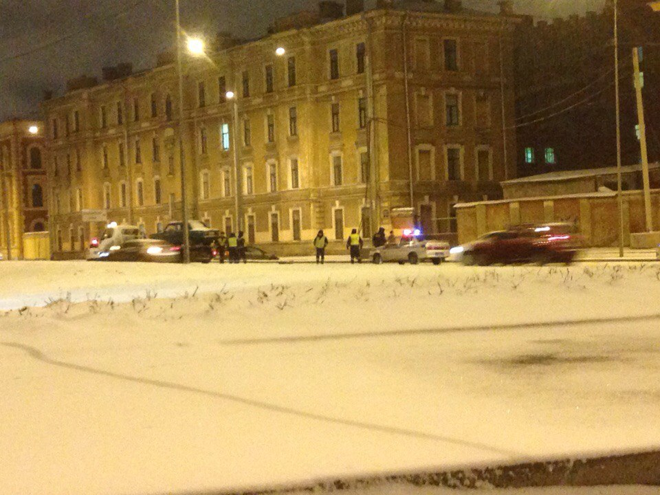 Петербургские полицейские устроили погоню сострельбой за нетрезвым водителем