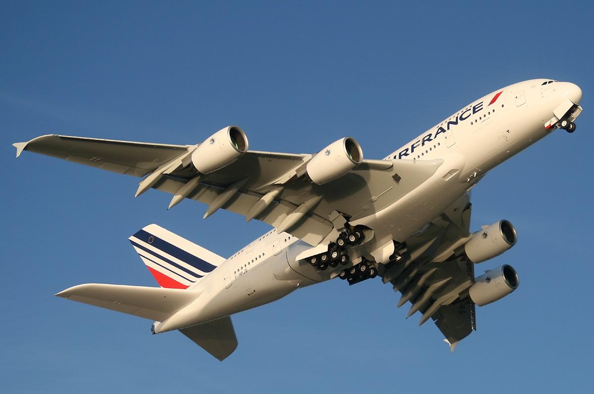 Взлет Airbus A380