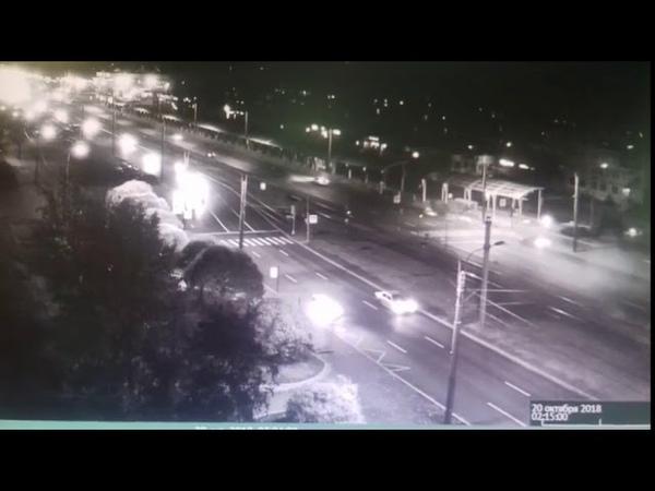 ДТП в Санкт Петербурге Каршеринговый автомобиль вылетел с дороги и перевернулся