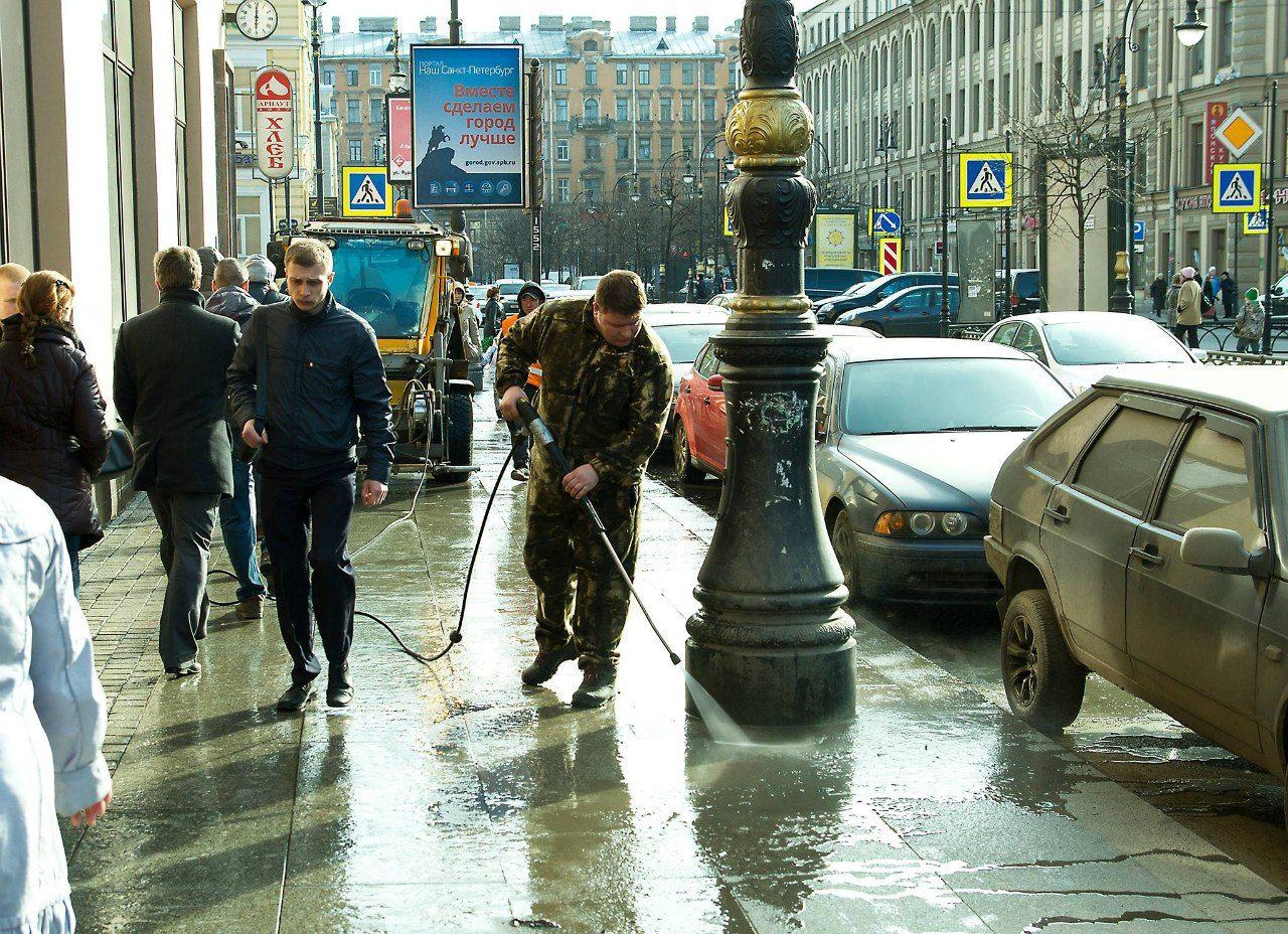 Уборка Петербурга. Фото Александра Голуба