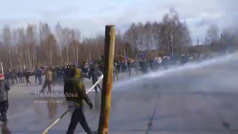 Разгон митинга за федерализацию Сибири Тюмень 30 05 2015-sib-nov-bbb-scscscrp