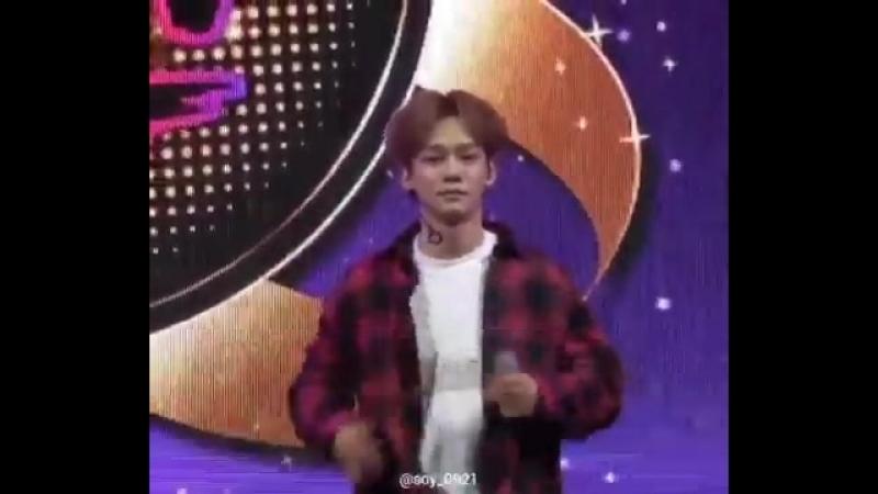 180927 Chen fancam EXO Chen Jongdae 2018 Korea Sale Festa Shopper's Fun Night