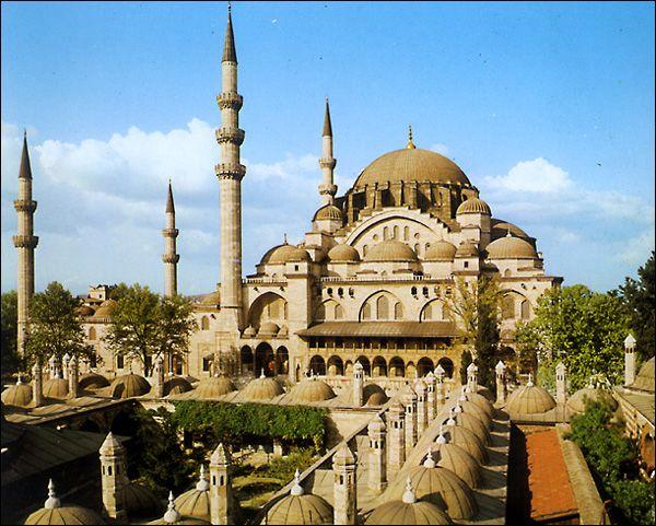 Не знаете куда поехать отдыхать? В Стамбул!