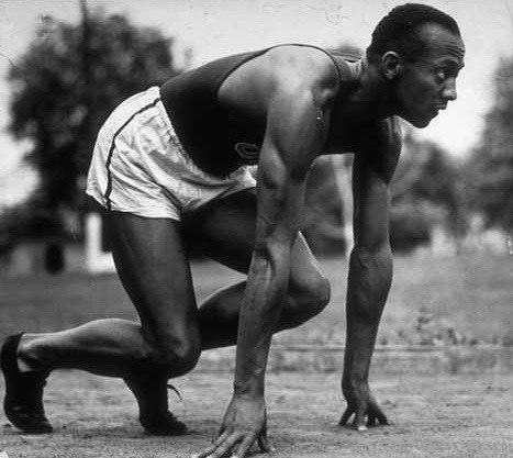 До 1887 р. всі бігуни стояли на старті в повний зріст...