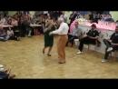 Бабушка с дедушкой из Германии танцуют буги-вуги