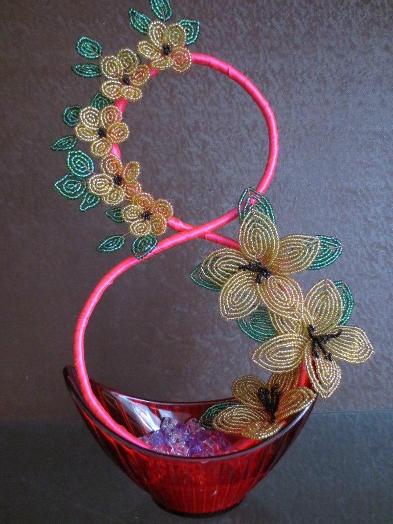 Поделки цветы из бисера своими руками