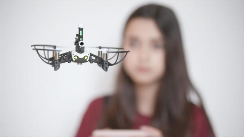 Высота - документальный фильм о том, как летающие дроны меняют города.