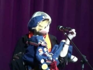 Народная артистка России Раиса Виноградова с куклой Кирюшей
