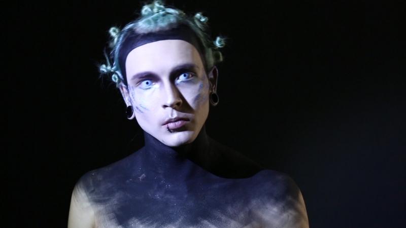 Видеоролик с занятия курса Студийная съёмка, тема Art beauty