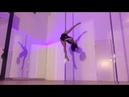 Awesome Pole Split on the Spinning Pole Freestyle