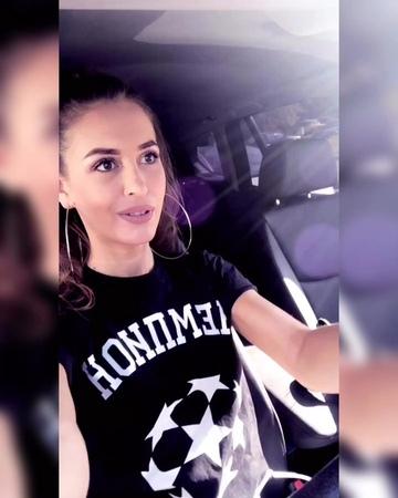 "Olga Buzova Design on Instagram ""Наша прекрасная @annabuzova 💙. . . Футболки для мужчин и женщин Размер XS S M L ХL ХХL Размеры 40..."