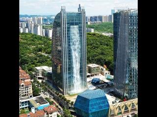 Водопад в небоскрёбе