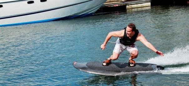 Электрическая доска для серфинга без волн
