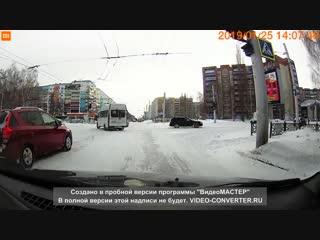 Грубое нарушение ПДД водителем маршрутного автобуса
