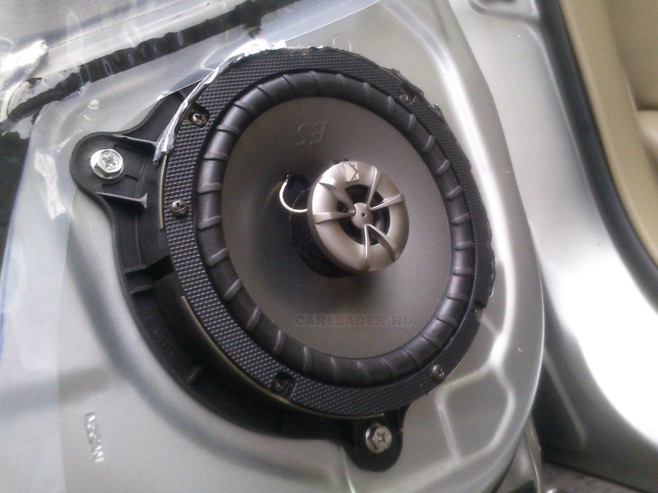 Колонка Kicker в Nissan Bluebird Axis (Infiniti G20)