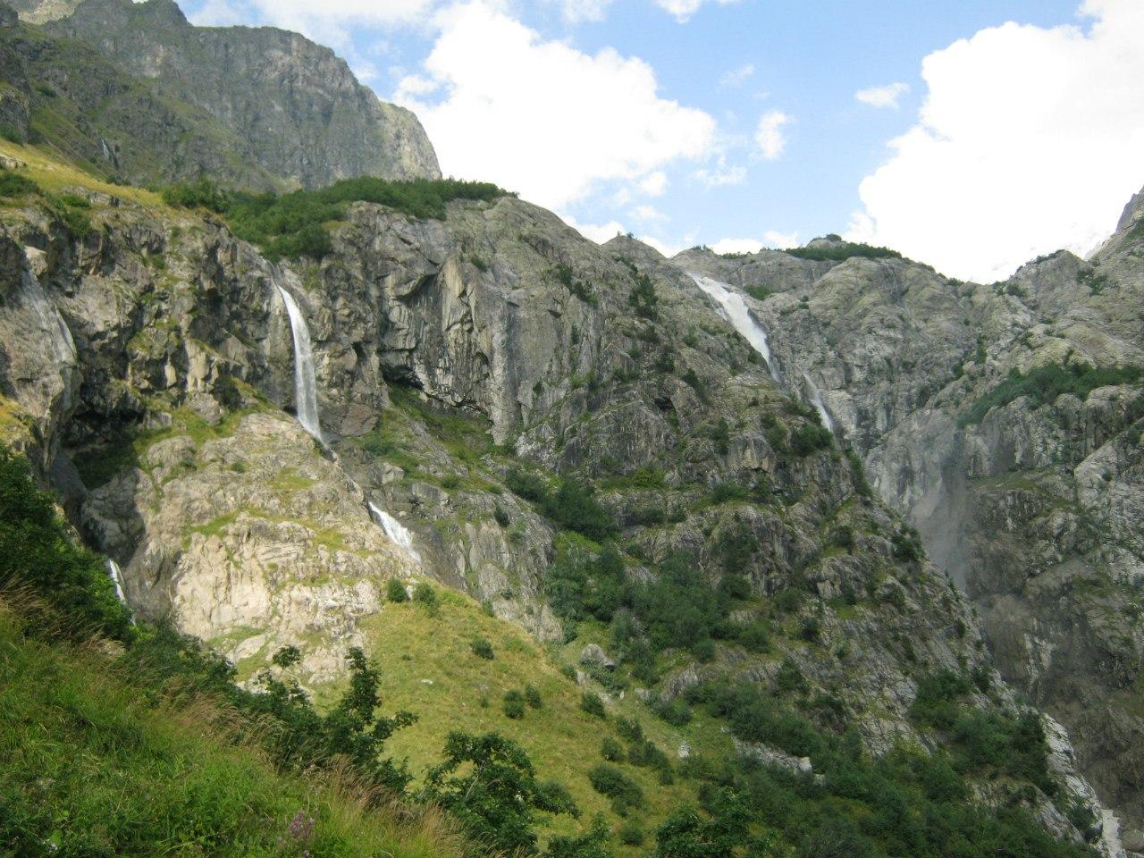 3 водопада Мазери