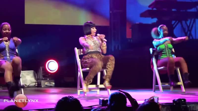 Выступление Ники Минаж - часть 1 (Reggae Sumfest, 2011г.) (HD качество)