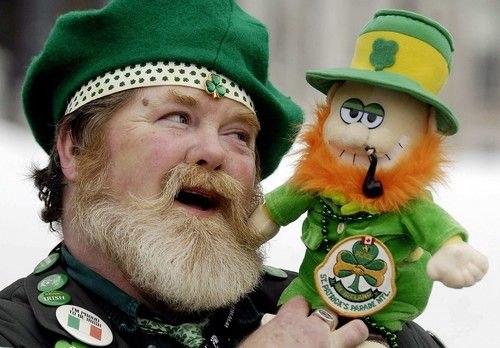 много ирландских танцев,