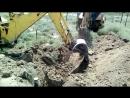 Роют септик и яму под машину добыча глина