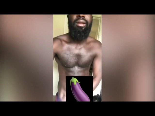 афроамериканец выгнал Свидетелей Иеговы из своего дома, сняв трусы