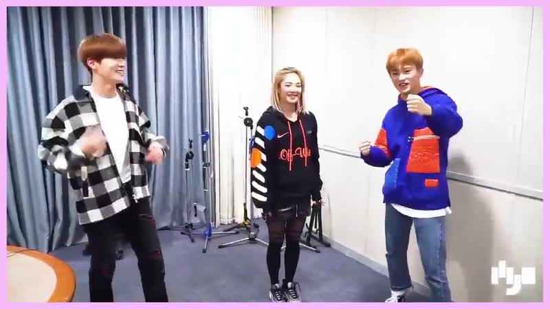 Jaehyun and Mark doing the point dance of Hyoyeon's Punk Right Now