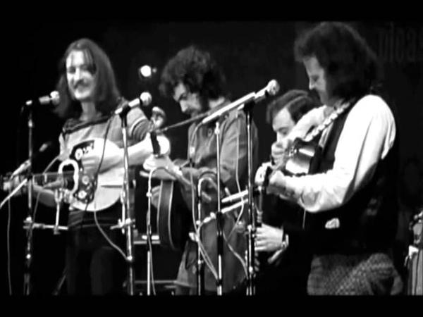Planxty - Raggle Taggle Gypsy Tabhair Dom Do Lámh (lyrics on screen)