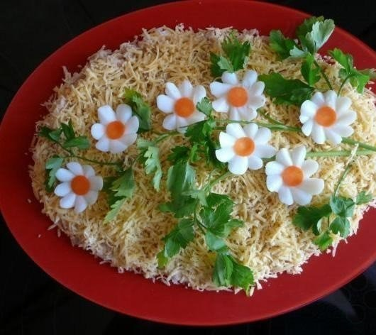 Украшения из яиц салатов