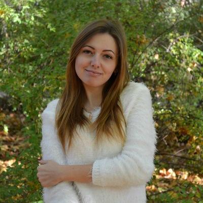 Ангелина Сазонова, Москва
