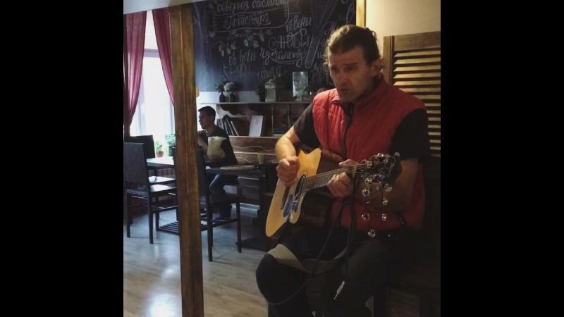 Sweet Village Hostel's acoustic guy (pt. 2)