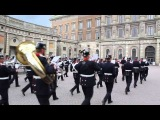 Change of guard in the Royal Palace Stockholm_20140701(MVI 4920)