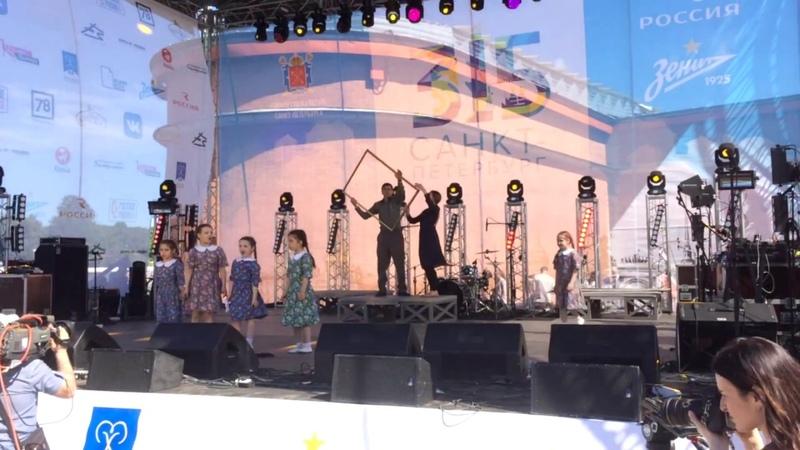 София выступает на главной сцене Петропавловской крепости в День города. Санкт-Петербургу 315 лет.