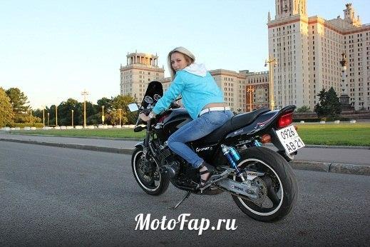 Honda CB 400 SF — лучший дорожный городской мотоцикл