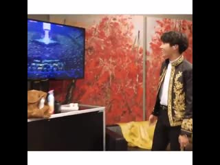 Hoseok was so amazed when he saw the stadium was full