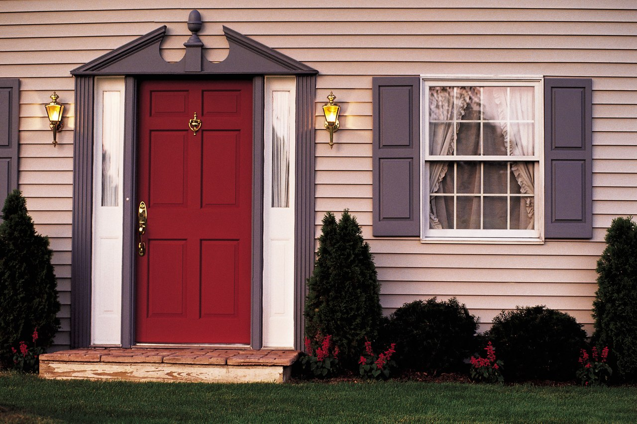 выбрать металлическая дверь в частном доме
