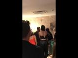 Селена, Дуа Липа и Бекки Джи за кулисами концерта Дженнифер Лопес в Лас-Вегасе (22 сентября 2018)