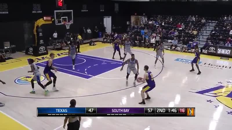 What a night for Svi Mykhailiuk 29 PTS, hitting 7 triples in the South Bay Lakers