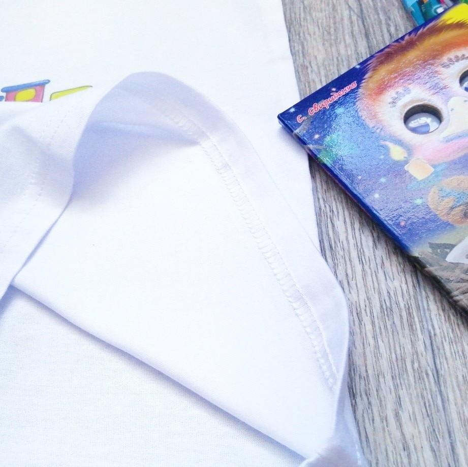 Белая футболка с рисунком единорога
