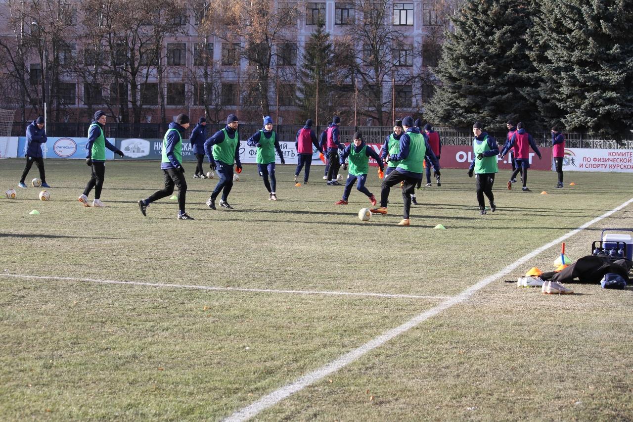 19 футболистов «Авангарда» отправятся на сбор в Турцию