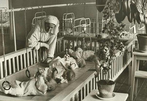 Налог на бездетность в СССР В ноябре 1941 года установили налог на бездетность, который составлял 6% от зарплаты. Платили его бездетные мужчины от 20 до 50 лет и бездетные замужние женщины от 20