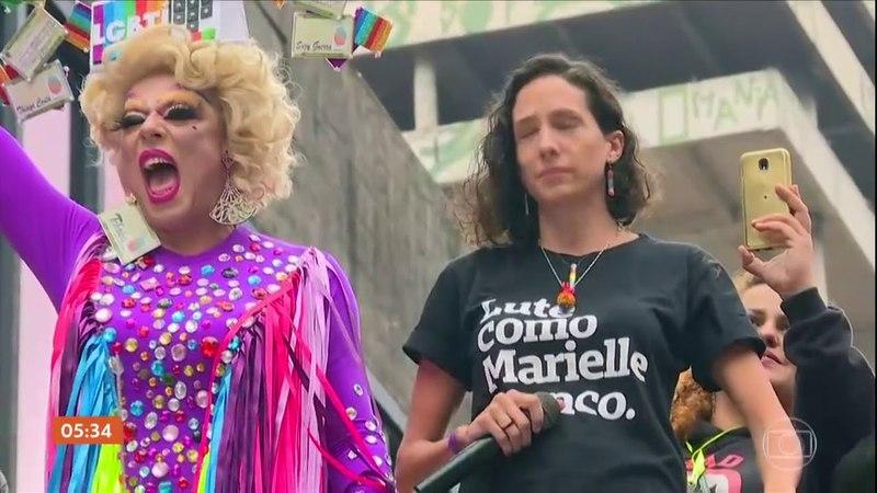 Noticias de Hoje - Parada do Orgulho LGBT atrai milhares de pessoas na Avenida Paulista em SP