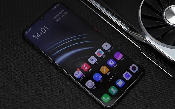 Vivo представила смартфон iQOO с 5G и