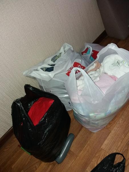 Отдам вещи женские (джинсы,брюки,кофты,платья)42-44р.