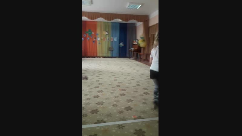 Танец Кирилла и его одногруппников на 23 февраля